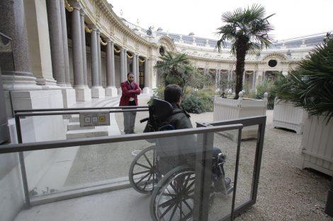accessibilité fauteuil roulant musée du Petit Palais